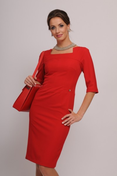 Классическое платье с рукавом три четверти